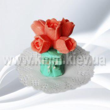 Букет тюльпанов с бантом 3D