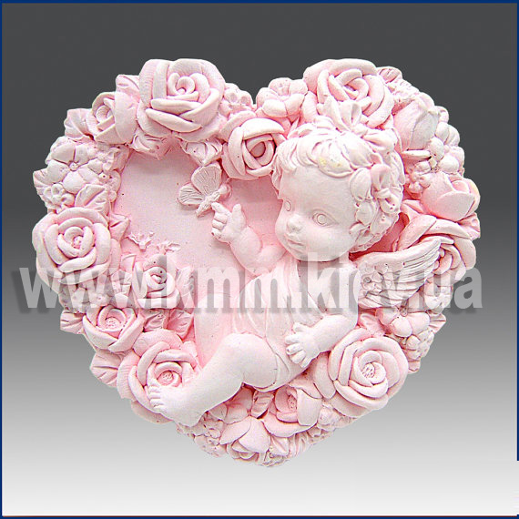 Ангел в сердце из роз