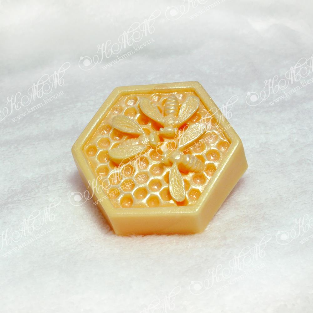 Мыло ручной работы Пчелка на сотах