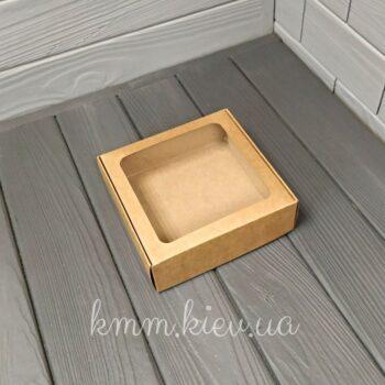 Коробка с квадратным окном