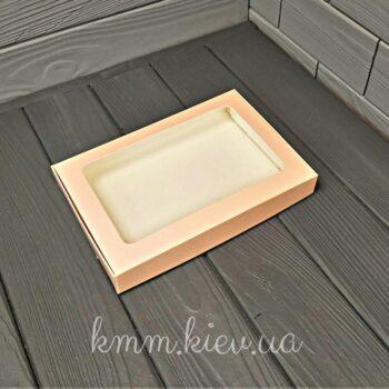 Коробка с окном прямоугольная