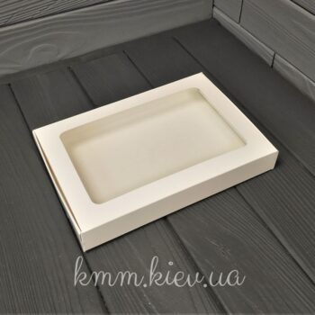 ККоробка прямоугольная с прозрачным окном 150х110х30мм в ассортименте